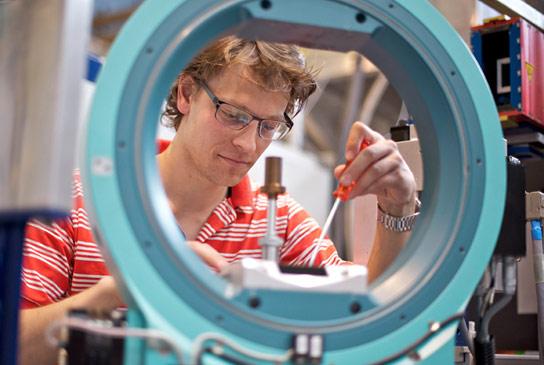 Berita Magnet 2021: Superkonduktivitas dan Magnetisme